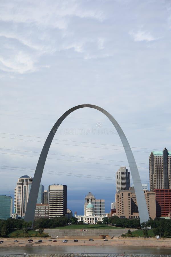 Horizonte de St. Louis - arco del Gateway fotos de archivo libres de regalías