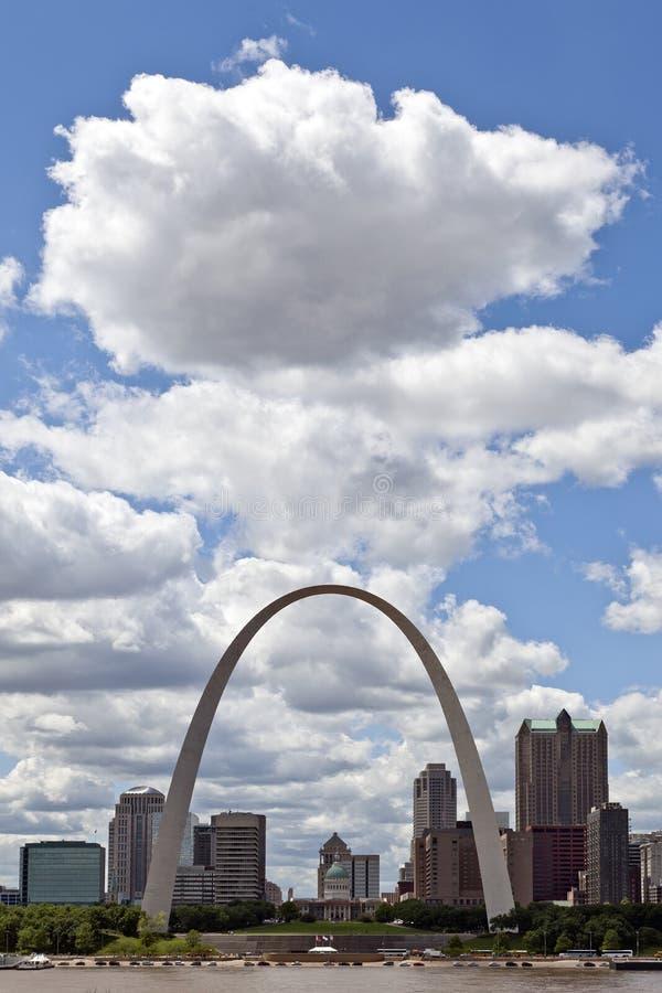 Horizonte de St. Louis, Missouri fotos de archivo