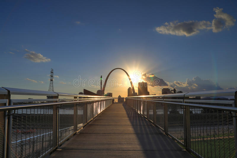 Horizonte de St. Louis, Missouri fotos de archivo libres de regalías