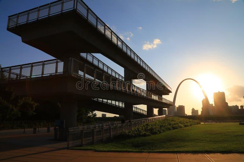 Horizonte de St. Louis, Missouri foto de archivo libre de regalías