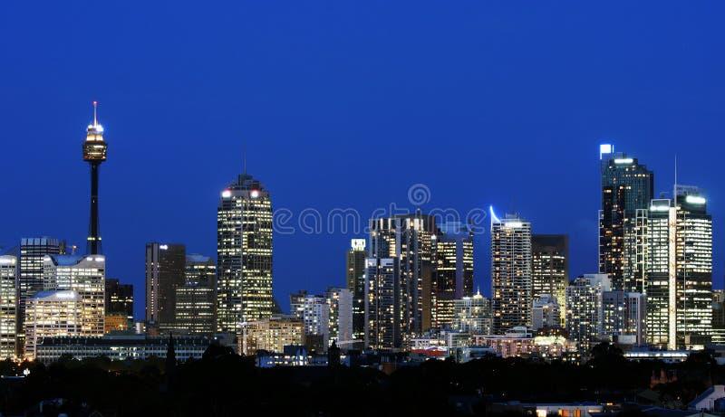 Horizonte de Sydney en la noche imagen de archivo
