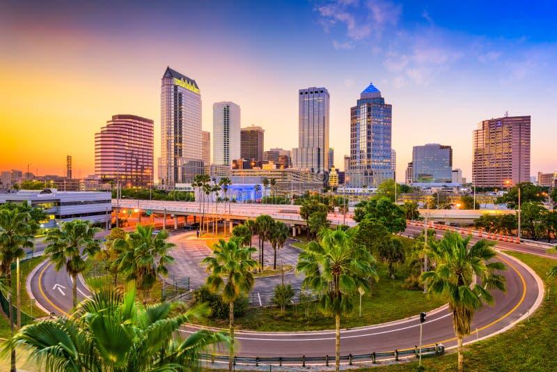 Horizonte de Tampa la Florida fotos de archivo