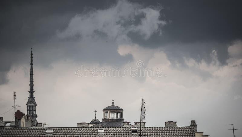 Horizonte de Turín Italia con el tejado y el antonelliana del topo fotos de archivo libres de regalías