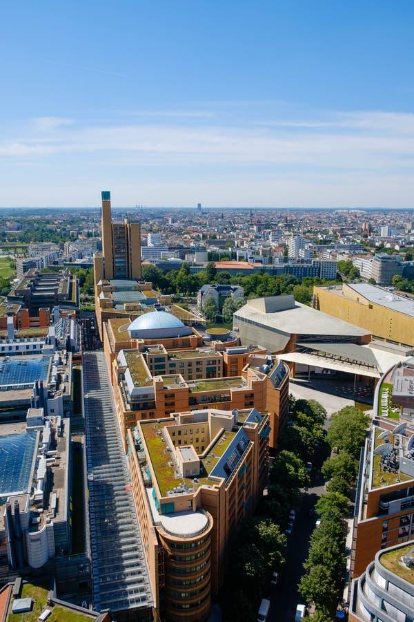 Horizonte del centro de ciudad de Berlín, visión aérea sobre Berlín del pote imágenes de archivo libres de regalías