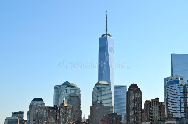 Horizonte del Lower Manhattan con un World Trade Center foto de archivo libre de regalías