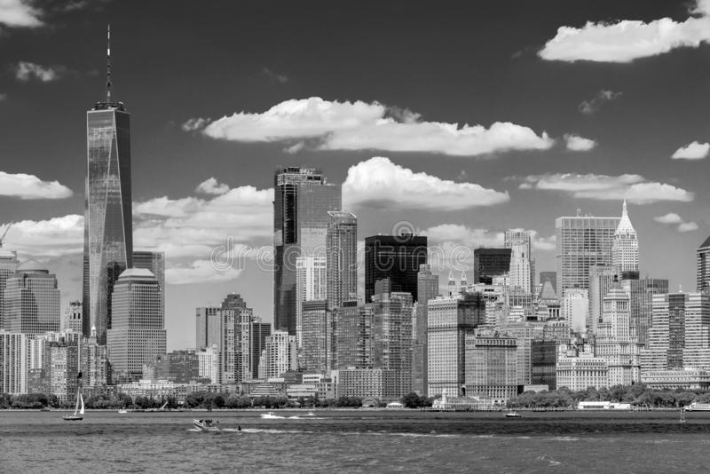 Horizonte del Lower Manhattan en blanco y negro imágenes de archivo libres de regalías