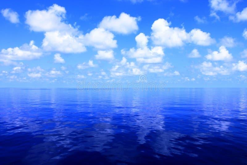 Horizonte del océano foto de archivo