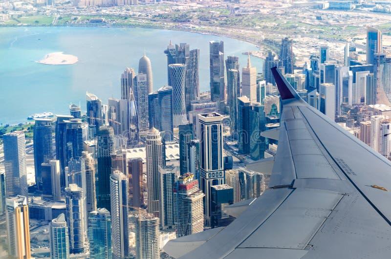 Horizonte del oeste de Doha de la bahía foto de archivo libre de regalías