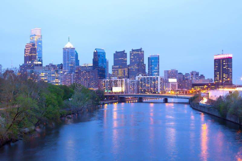 Horizonte del río y de la ciudad de Schuylkill de Philadelphia fotografía de archivo
