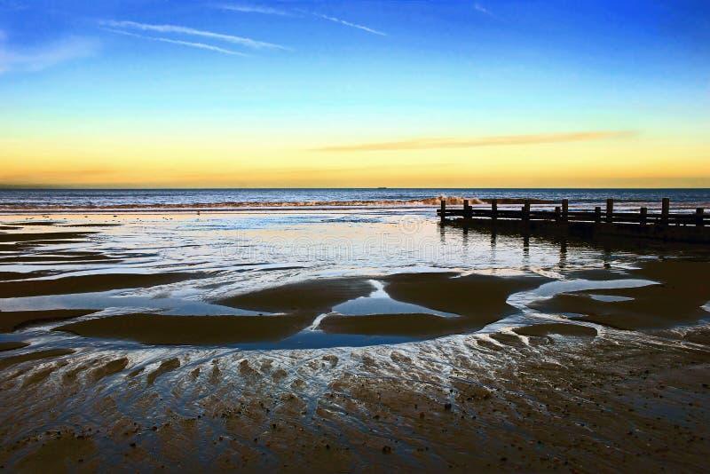 Horizonte 2 do quebra-mar - Norfolk Reino Unido foto de stock