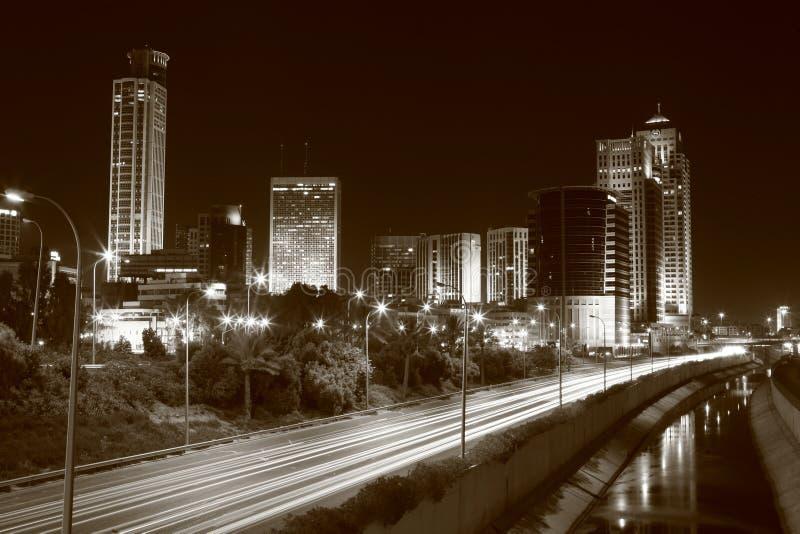 Horizonte en la noche imagen de archivo