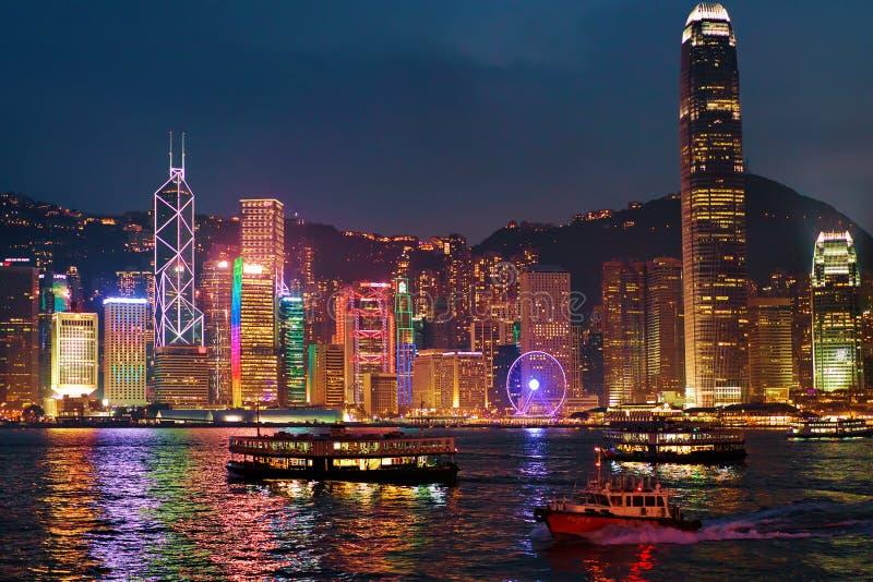 Horizonte en la noche de Victoria Harbor HK Hong Kong imagen de archivo libre de regalías