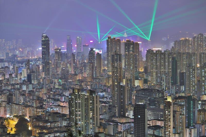 Horizonte en la noche, una sinfonía de HK de las luces imagenes de archivo