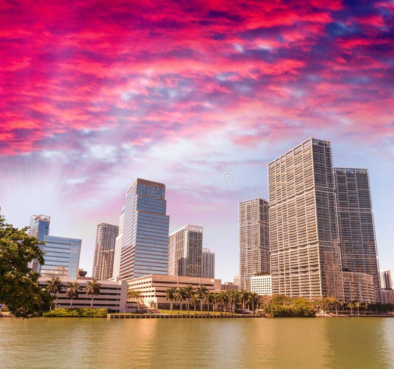 Horizonte hermoso de la llave de Brickell, Miami - FL fotografía de archivo