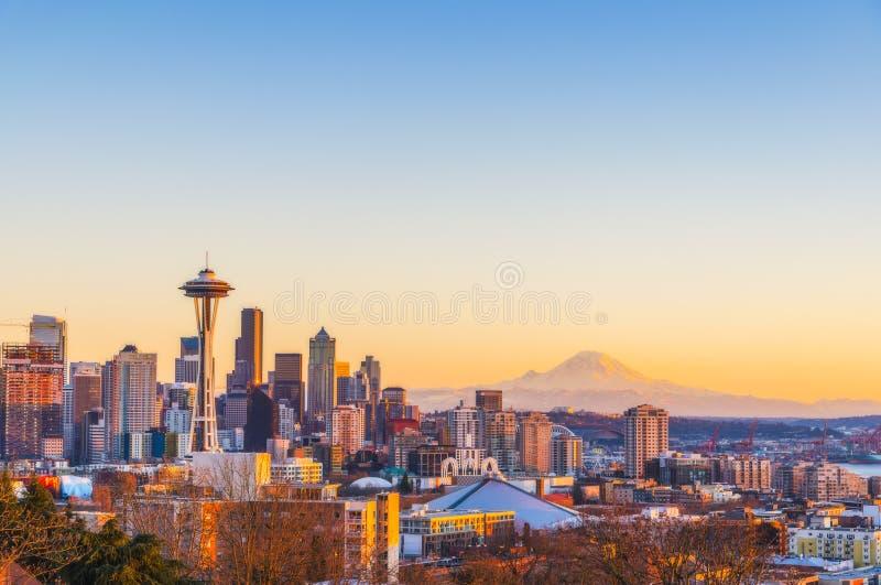 Horizonte hermoso en la puesta del sol, Washington, los E.E.U.U. de la ciudad de Seattle imágenes de archivo libres de regalías