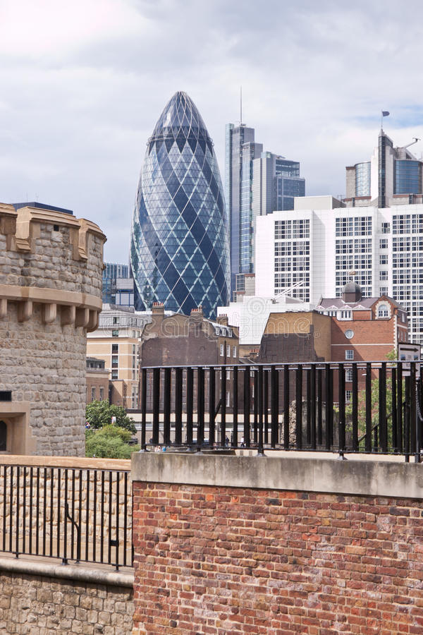 Horizonte moderno de la ciudad de Londres imagen de archivo