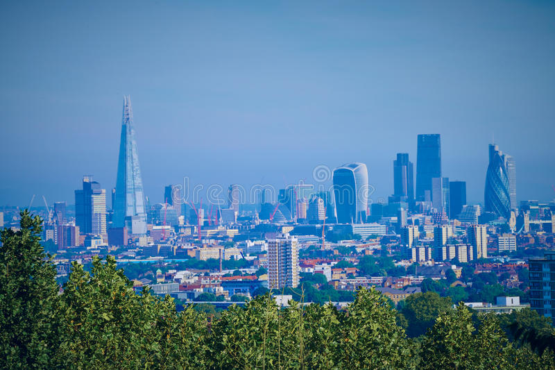Horizonte oscuro de Londres fotos de archivo libres de regalías