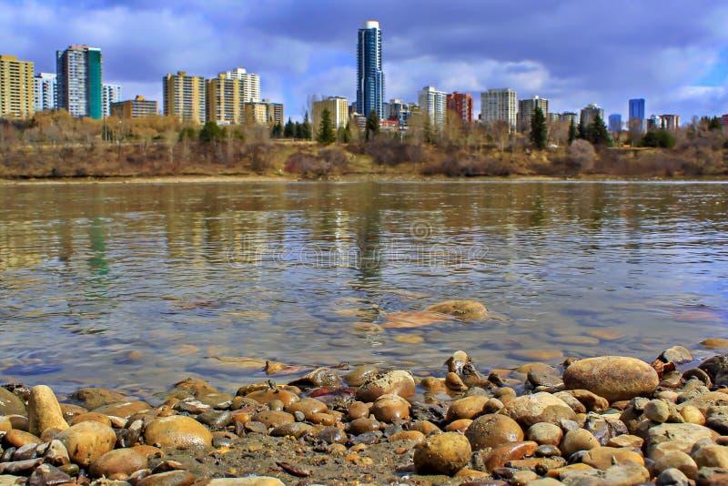 Horizonte panorámico de Edmonton River Valley imagen de archivo