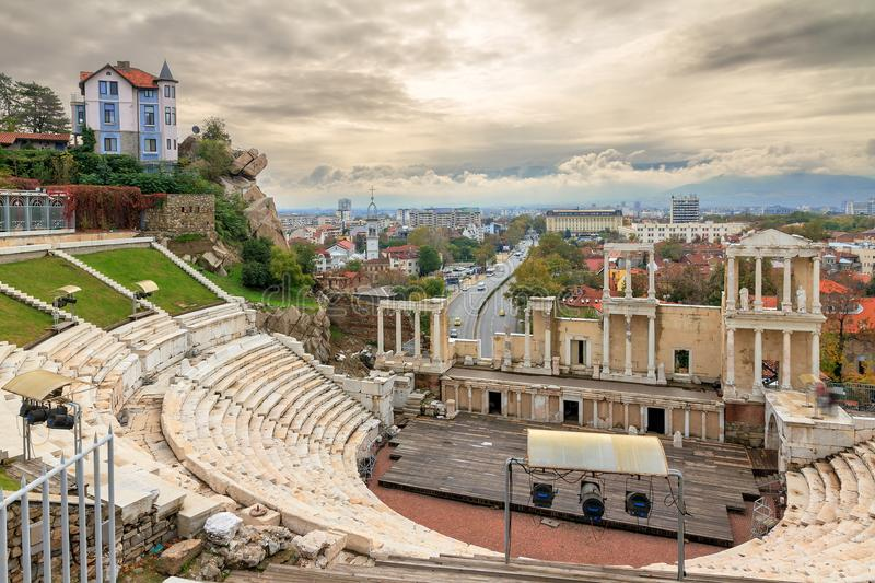 Horizonte romano del teatro de Plovdiv imagen de archivo