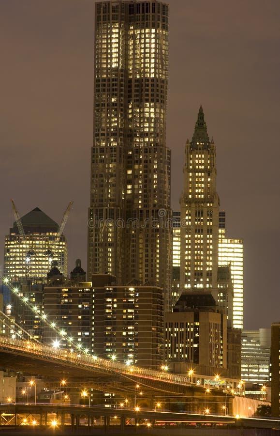 Horizonte urbano de la noche imagen de archivo