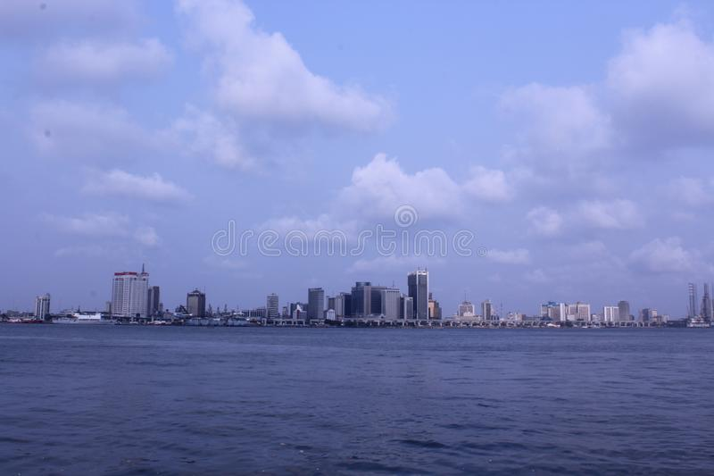 Horizonte y distrito financiero de Lagos imágenes de archivo libres de regalías