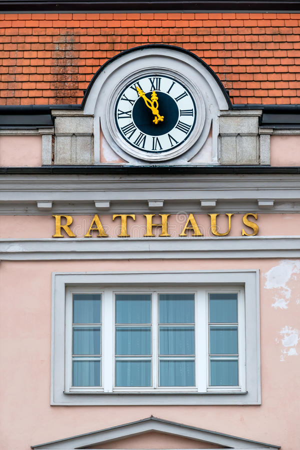 Horloge à l'hôtel de ville, images stock