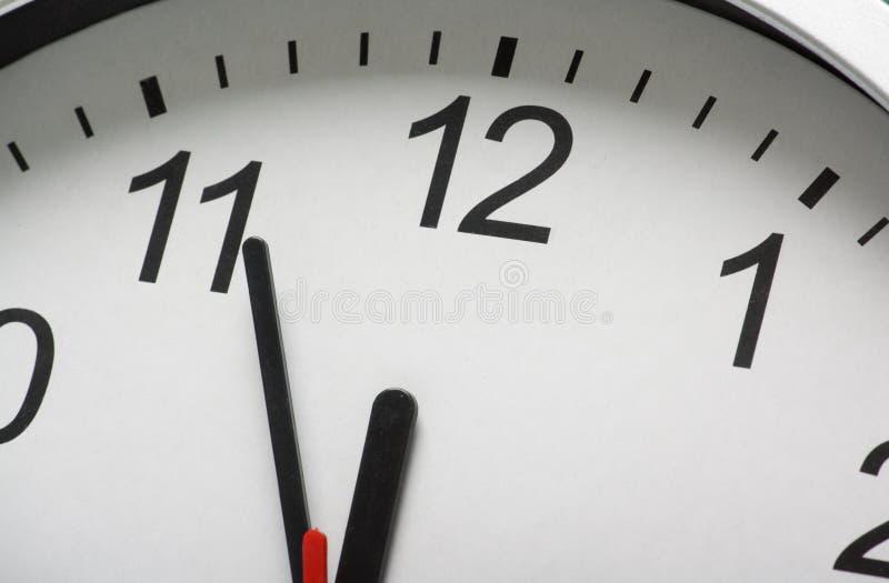 Horloge à minuit images libres de droits