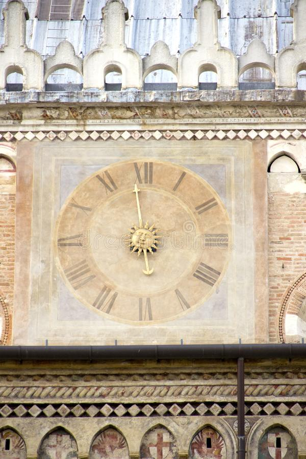 Horloge antique ? Padoue photo stock
