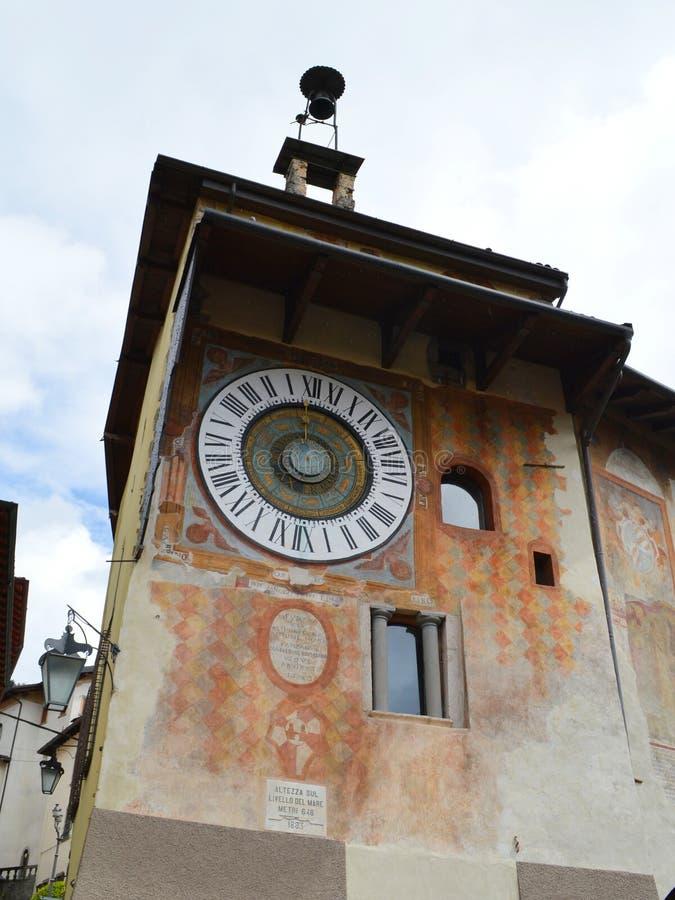 Horloge astronomique dans Clusone image libre de droits