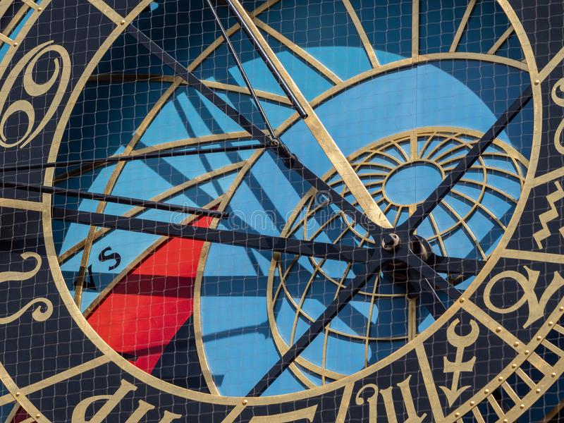 Horloge astronomique de Prague sur hôtel de ville photos stock