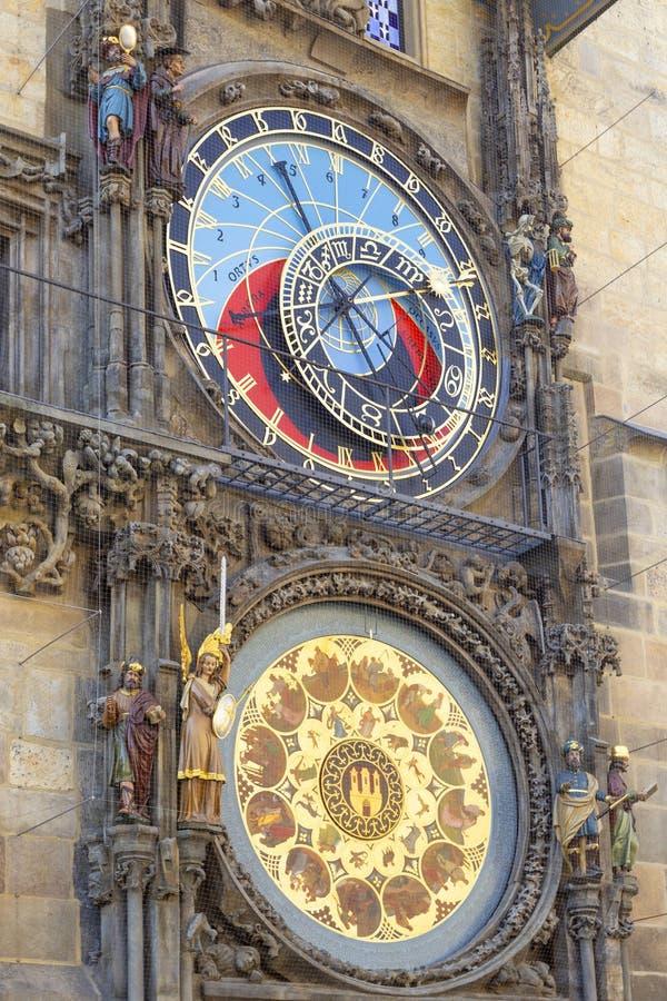 Horloge astronomique médiévale de Prague Orloj sur la tour de la Vieille Mairie, Prague, République Tchèque photographie stock libre de droits