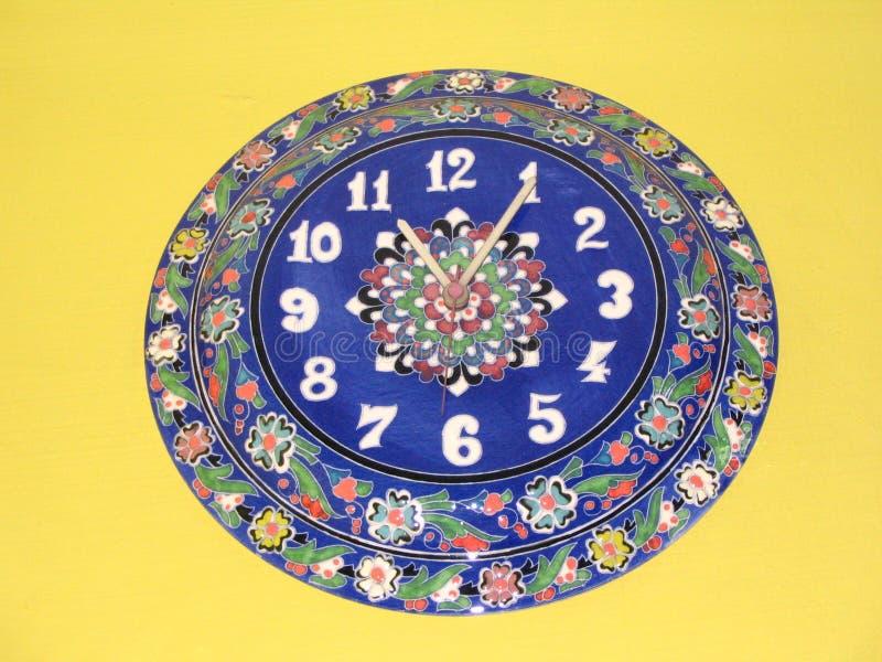 Horloge bleue turque photos stock