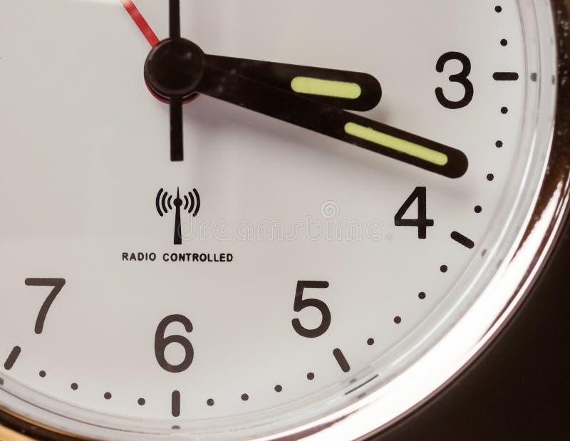 Horloge contrôlée par radio photos libres de droits