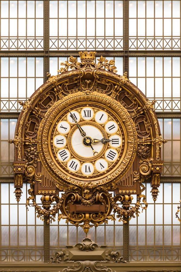 Horloge d'or du ` Orsay du musée D images stock