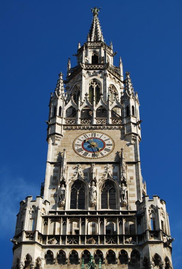 Horloge d'hôtel de ville de Munich photos stock