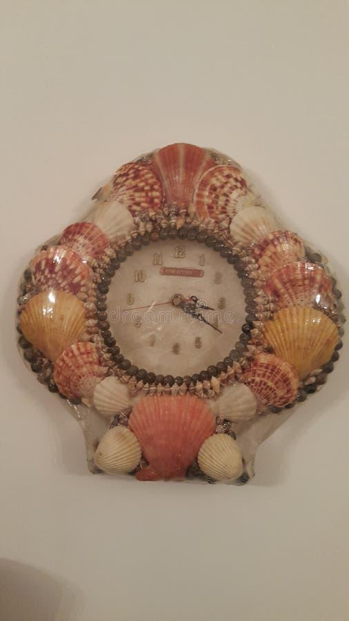 Horloge de coquillage photographie stock libre de droits