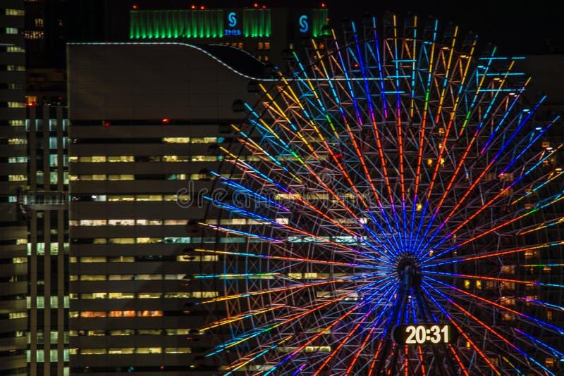 Horloge de Cosmo évidente de Yokohama Marine Tower photographie stock