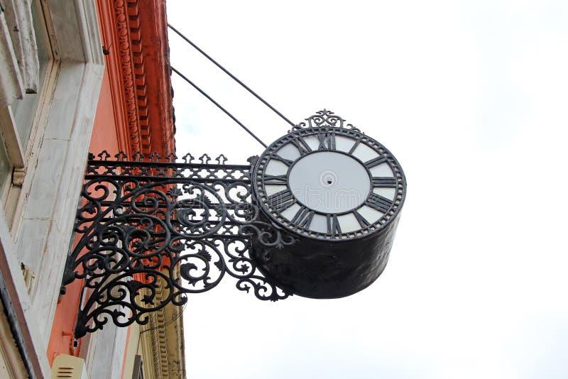 Horloge fleurie sans des mains images libres de droits