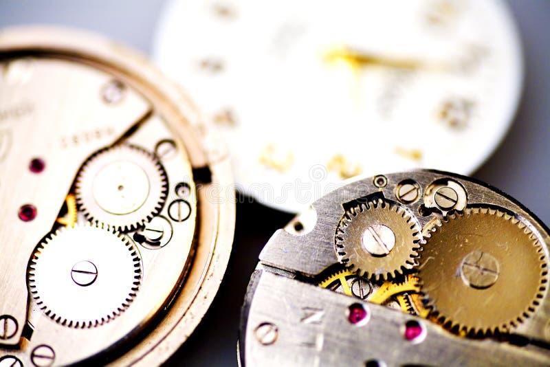 Horloge mécanique vieil en métal photographie stock libre de droits