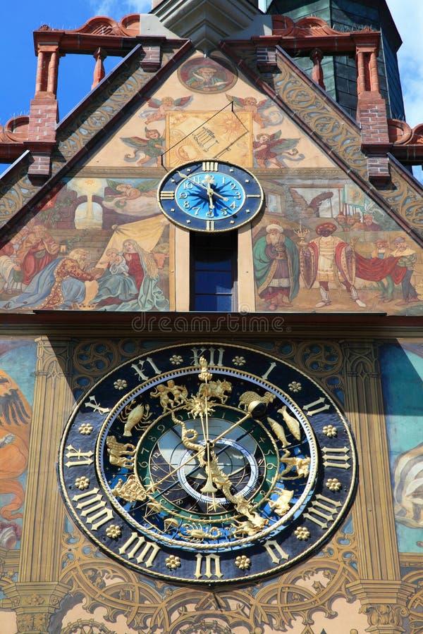 Horloge médiévale d'hôtel de ville d'Ulm photos stock