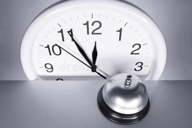 Horloge murale et appel Bell photo libre de droits