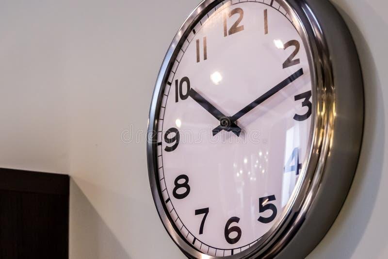 Horloge pure de Chromo images stock