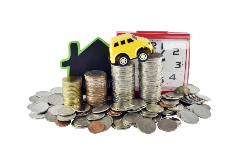 Horloge, voiture, maison et argent sur le fond blanc avec couper p photo libre de droits