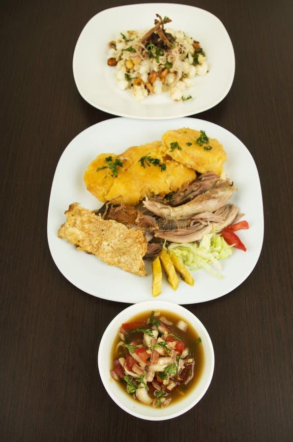 Hornado a rôti la nourriture traditionnelle d'ecuadorian de porc images stock