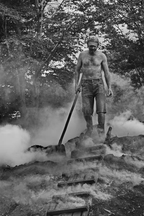 Hornilla de carbón de leña 2 fotos de archivo libres de regalías