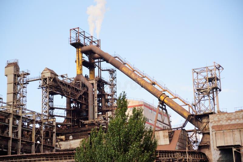 Horno de una planta metalúrgica foto de archivo libre de regalías