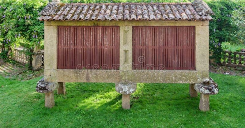 Horreo, typischer spanischer Getreidespeicher lizenzfreies stockbild