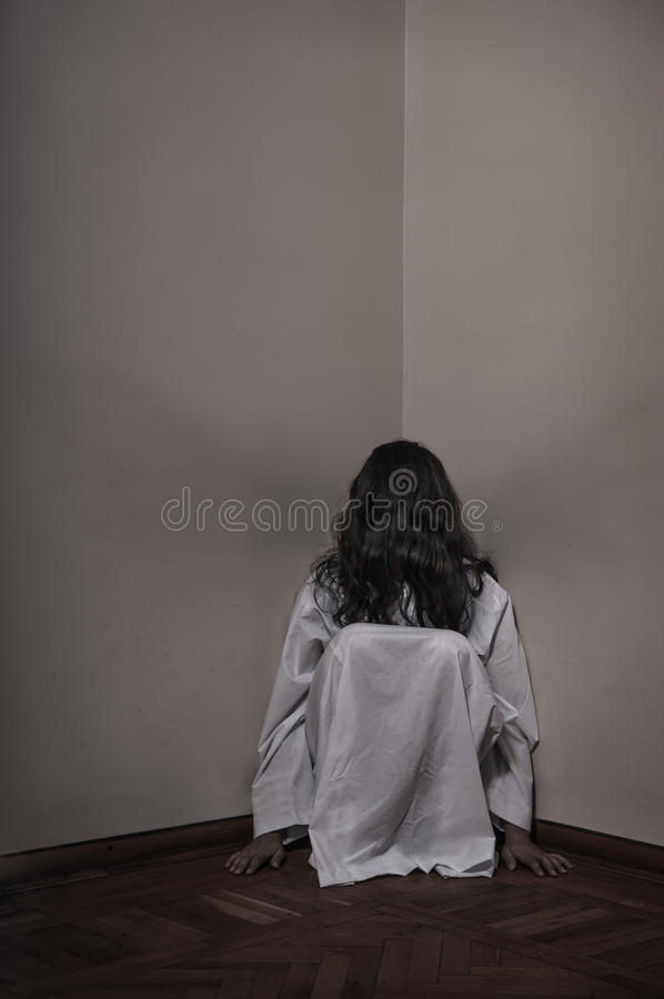 Free Horror Girl Sitting Royalty Free Stock Photography - 32702477