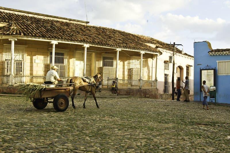Horse-drawn cart circulating through Trinidad, Cuba. 11 april 2007- trinidad-cuba.horse-drawn cart circulating through Trinidad, Cuba stock photography