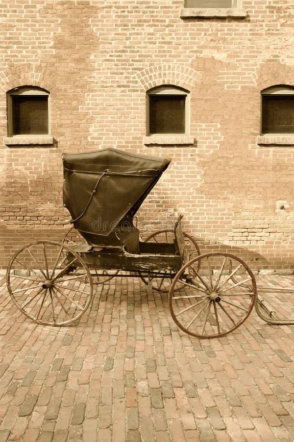 Horse-drawn Wagen lizenzfreie stockfotos